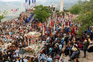 Andas Virgen de la Cabeza en procesión
