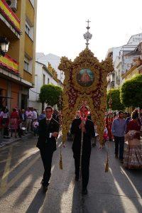 Estandarte cofradía Matriz por las calles de Andújar