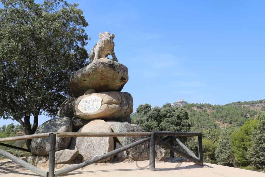 Jabalí vista del Santuario Virgen de la Cabeza