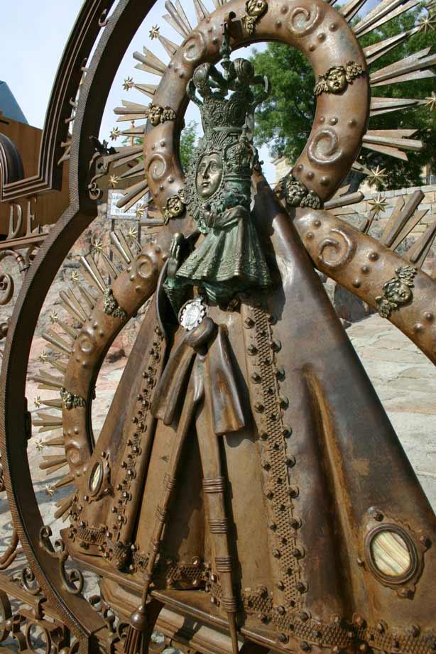 Verja-Santuario-Virgen-de-la-Cabeza-6