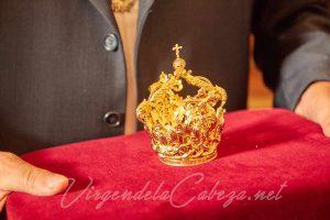 Virgen-de-la-Cabeza-El-Carpio-corona-niño