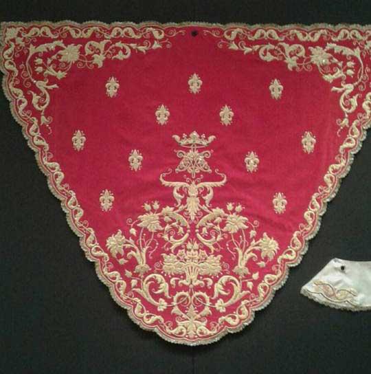Virgen-de-la-Cabeza-de-El-Carpio-manto Misericordia-rojo-oro