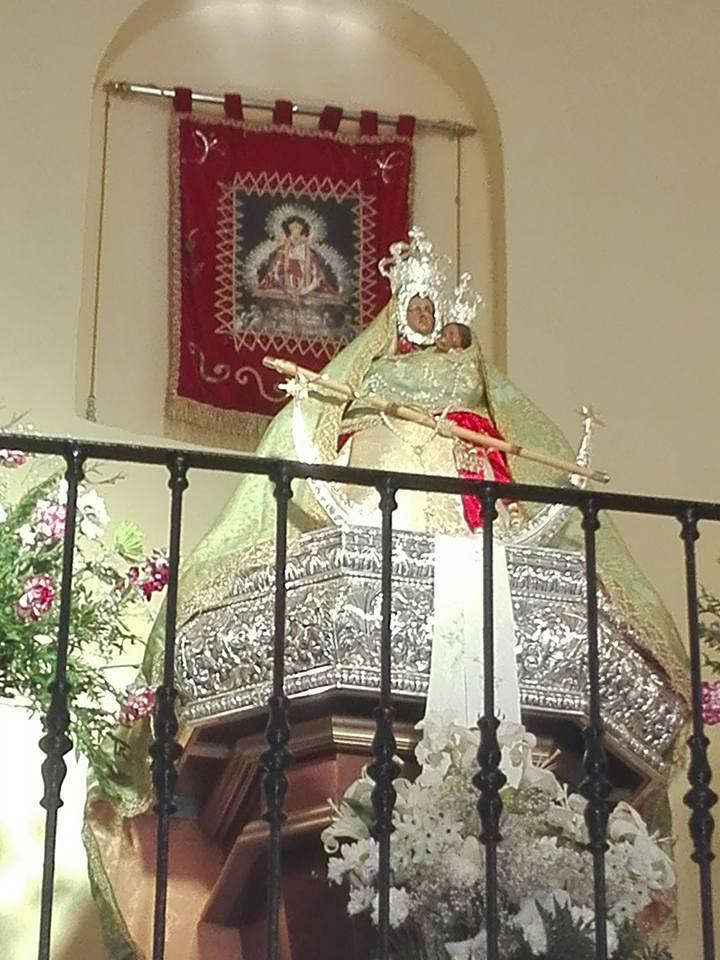 Virgen de la Cabeza de Fuerte del Rey entronizada