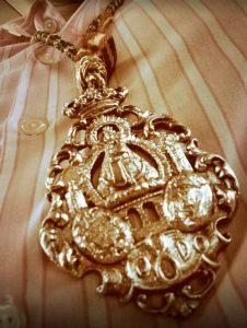 medalla-Virgen-de-la-Cabeza-Cofradia-Sevilla