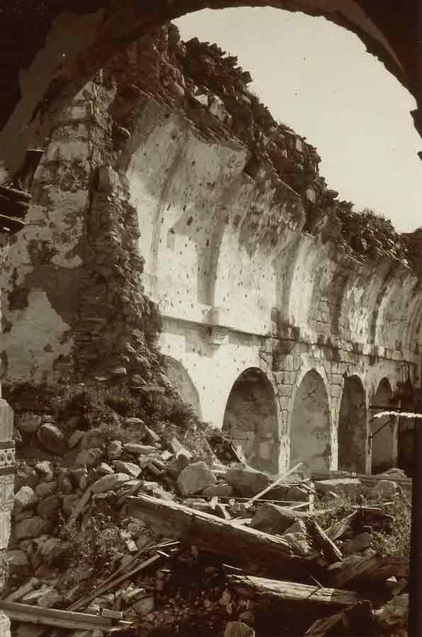 Santuario-Virgen-de-la-Cabeza-derruido