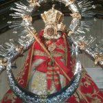 Virgen-de-la-Cabeza-manto-rojo-santuario