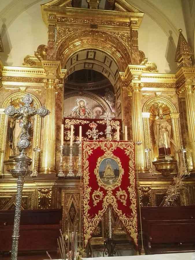 Estandarte-Virgen-de-la-Cabeza-Velez-Malaga