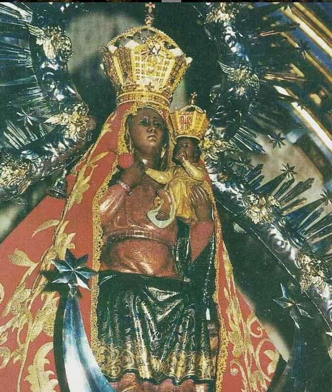 Virgen de la Cabeza sin salla y con manto