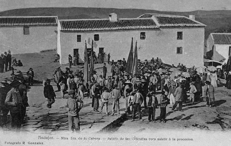 salida-cofradias-filiales-para-procesion