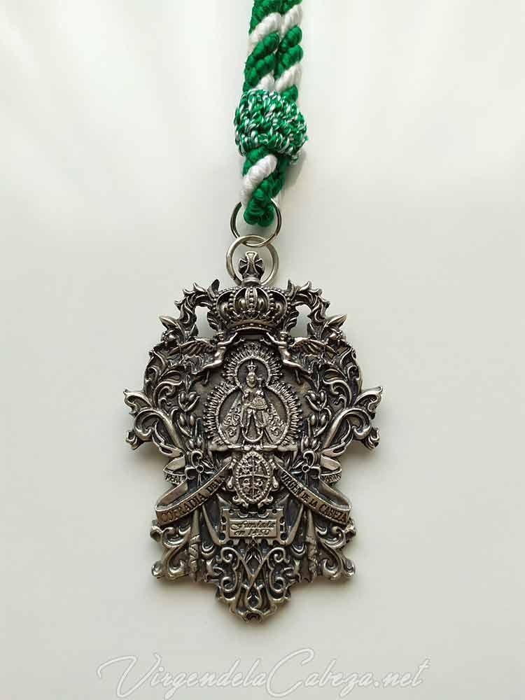 Medalla cofradía Martos, reverso