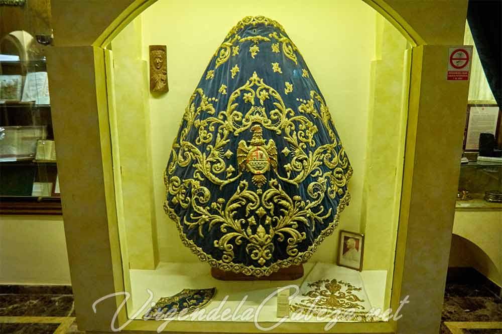 Manto Andújar Virgen de la Cabeza