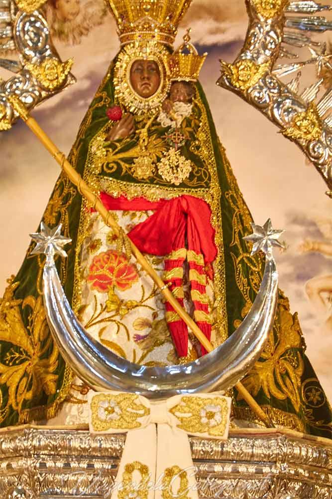 Media luna Virgen de la Cabeza plata