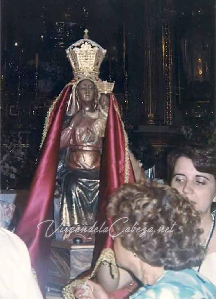 Virgen de la Cabeza solo con manto