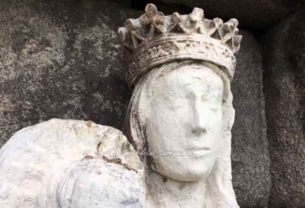Virgen acueducto de Segovia