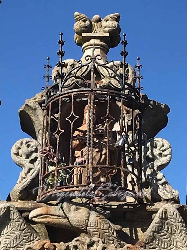 Estatua puente Virgen de la Cabeza Plasencia