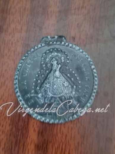 Medalla antigua Virgen